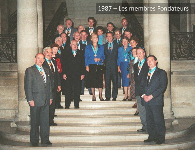 Les membres fondateurs de l'Ordre des Canardiers en 1987